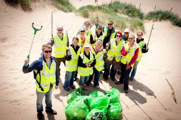 Lytham beach clean up volunteers