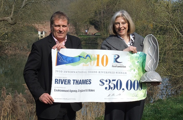 Blog AD celebrates the Thames winning the International Riverprize in 2010 w Home Sec MP Theresa May