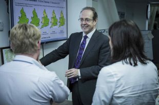 Sir James Bevan, Chief Executive of the Environment Agency, visiting the FFC